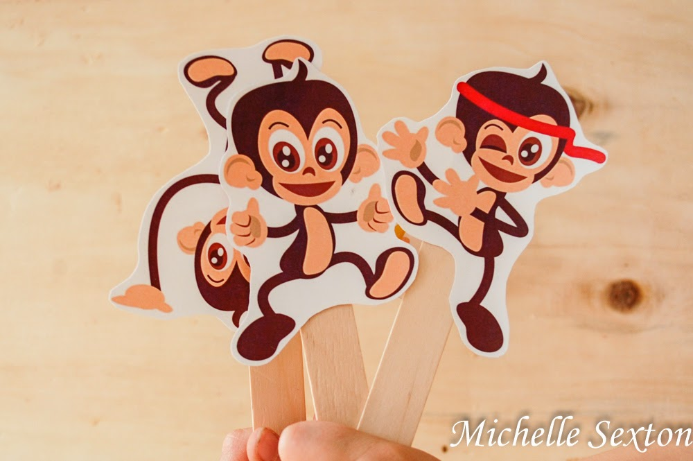 Free Printable Monkey Puppets from SoHeresMyLife.com - click through and get them