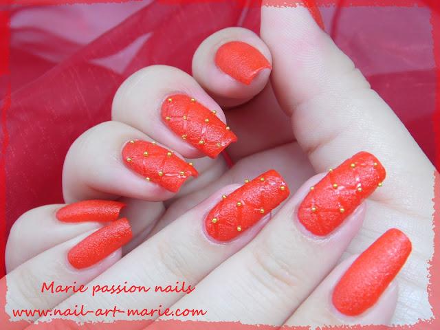Nail art effet cuir capitonné 1