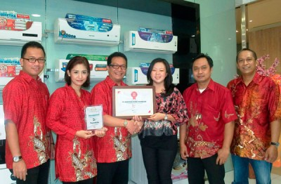 AC Logicool Extra Besutan Polytron Raih Golden Award 2015