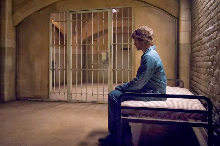 Will Graham in a cell