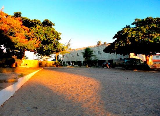 Restaurante e quartos do Beach Hotel Jacumã