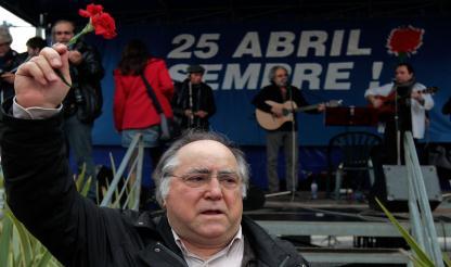 """Vasco Lourenço: """"VIVO ESTE 25 DE ABRIL COM TRISTEZA"""""""