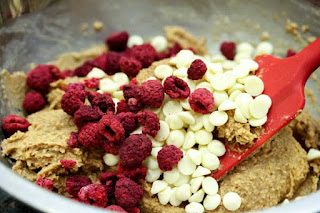 chocolate-chips-and-raspberries