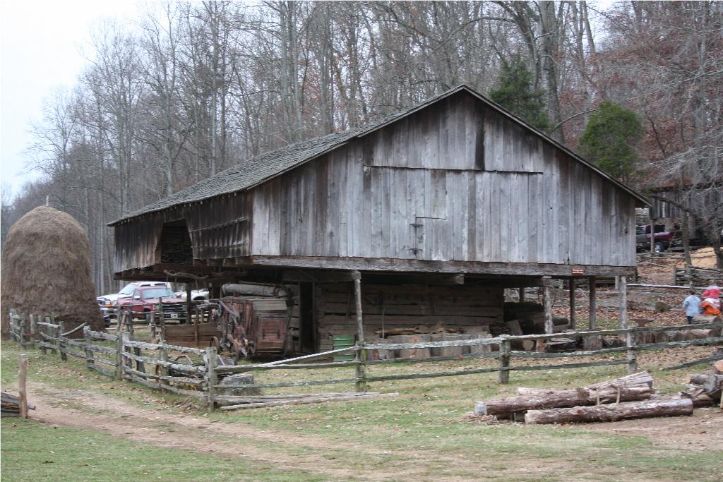 Wayfarin 39 Stranger Cantilever Barns