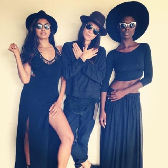 Miss Jodie: three cute lesbians.