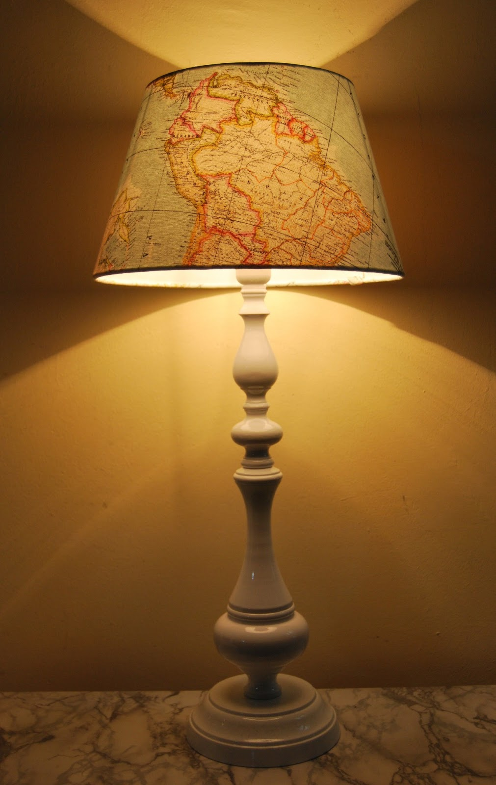 Pantallas de lampara con nuestra telas la tapicera - Pantallas de lamparas ...