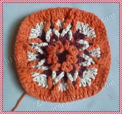 Motivo quadradinho de crochê colorido