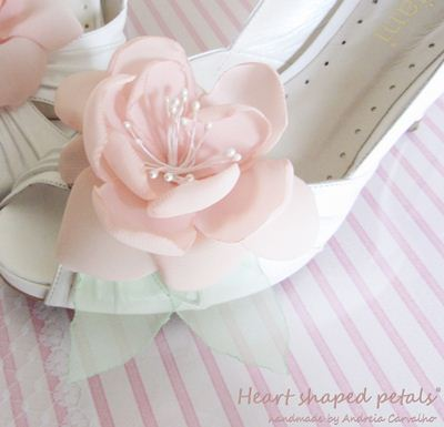 Wedding clip shoes flowers