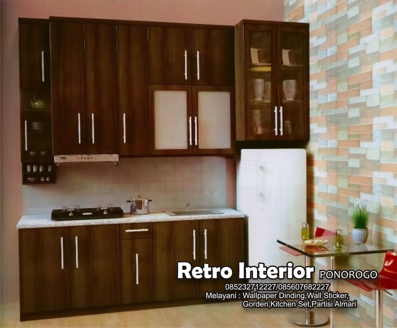 Bagaimana contoh kitchen set diatas cantik bukan jika anda berencana membuat kitchen set untuk ruang dapur rumah maka ada beberapa hal yang perlu