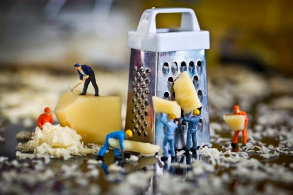 http://thewondrous.com/david-gilliver-captures-incredible-macro-photography-of-little-people-doing-big-jobs/