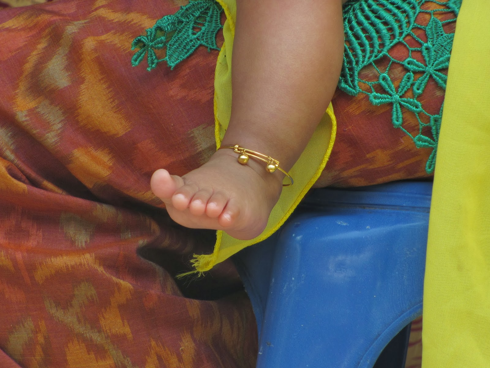 Hug Your Baby Bali Baby S Feet Touch The Ground For The First Time