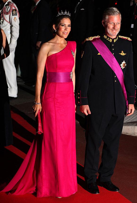 The Royal Order of Sartorial Splendor: 2011 in Review: Crown ...