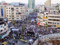 [Foto] Ribuan Aktivis Hizbut Tahrir Palestina Menuntut Tegaknya Khilafah