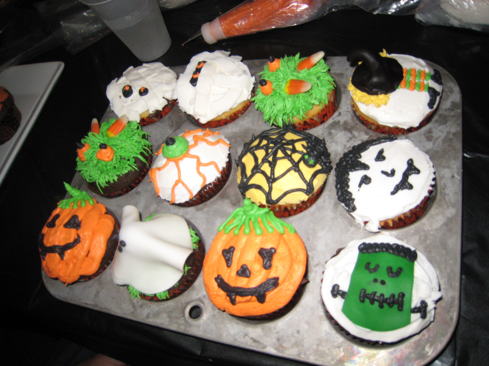 judy cakes sugar arts halloween cupcake decorating class pictures. Black Bedroom Furniture Sets. Home Design Ideas