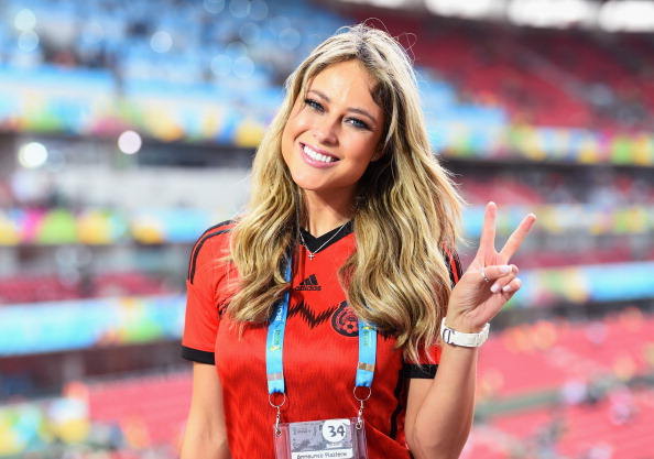 Wives and Girlfriends, Sport Beauties: Football Babes ...