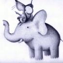 Dibujo de ratón sobre la cabeza de un elefante