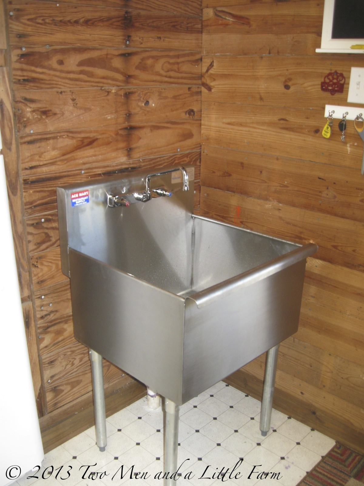 Slop Sink : UTILITY SINK IN THE MUDROOM