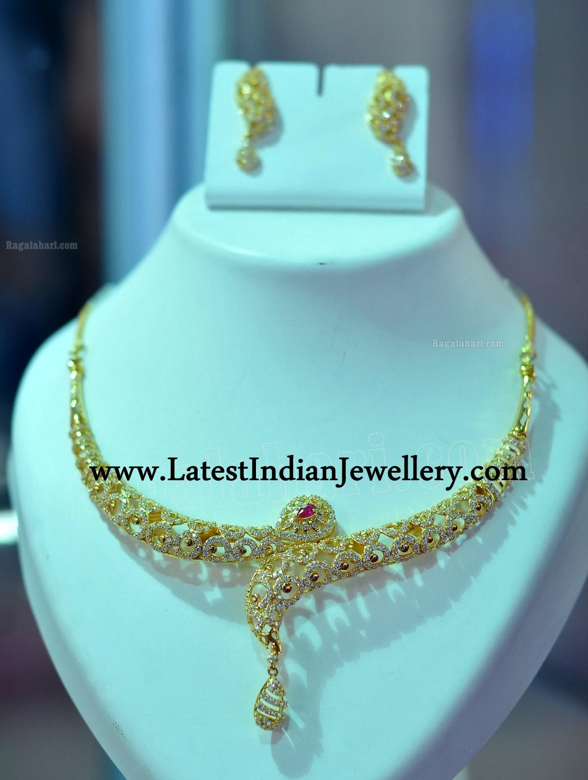 Stylish Trendy Gold Necklace Set Designs
