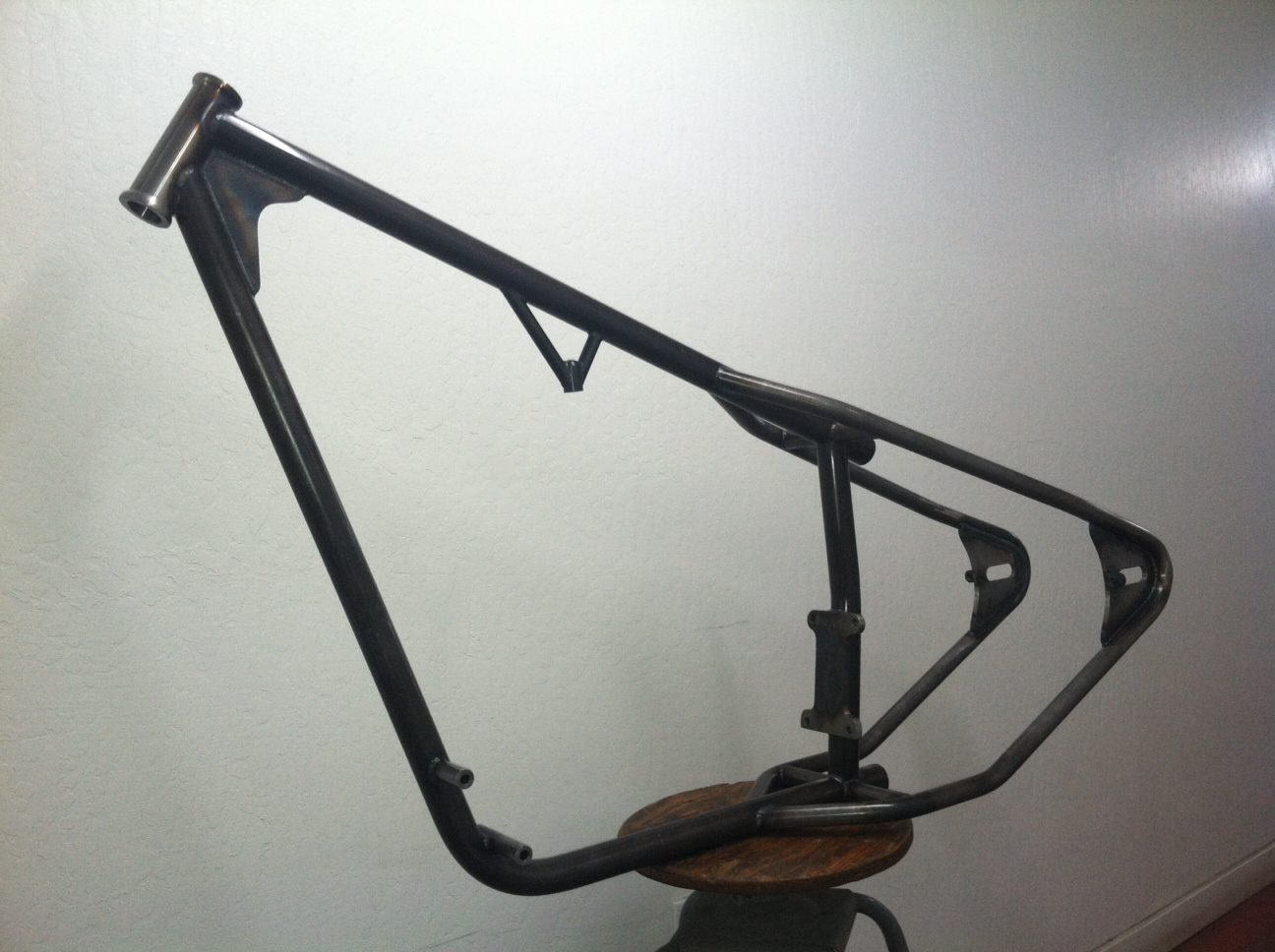 Mullins Chain Drive: The Mullins Monitor Frame for Ironhead Motors