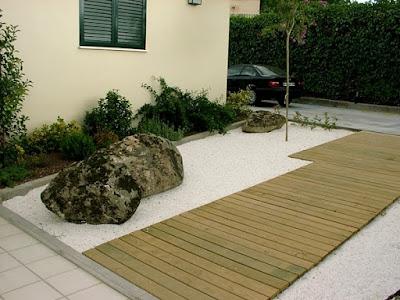 foto 6a jardin minimalista zen con piedras - frentes de casas