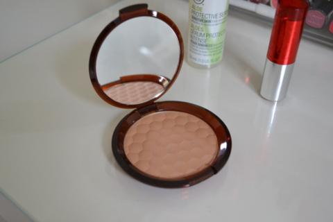 The Body Shop Honey Bronze Bronzing Powder 02 Fair Matte