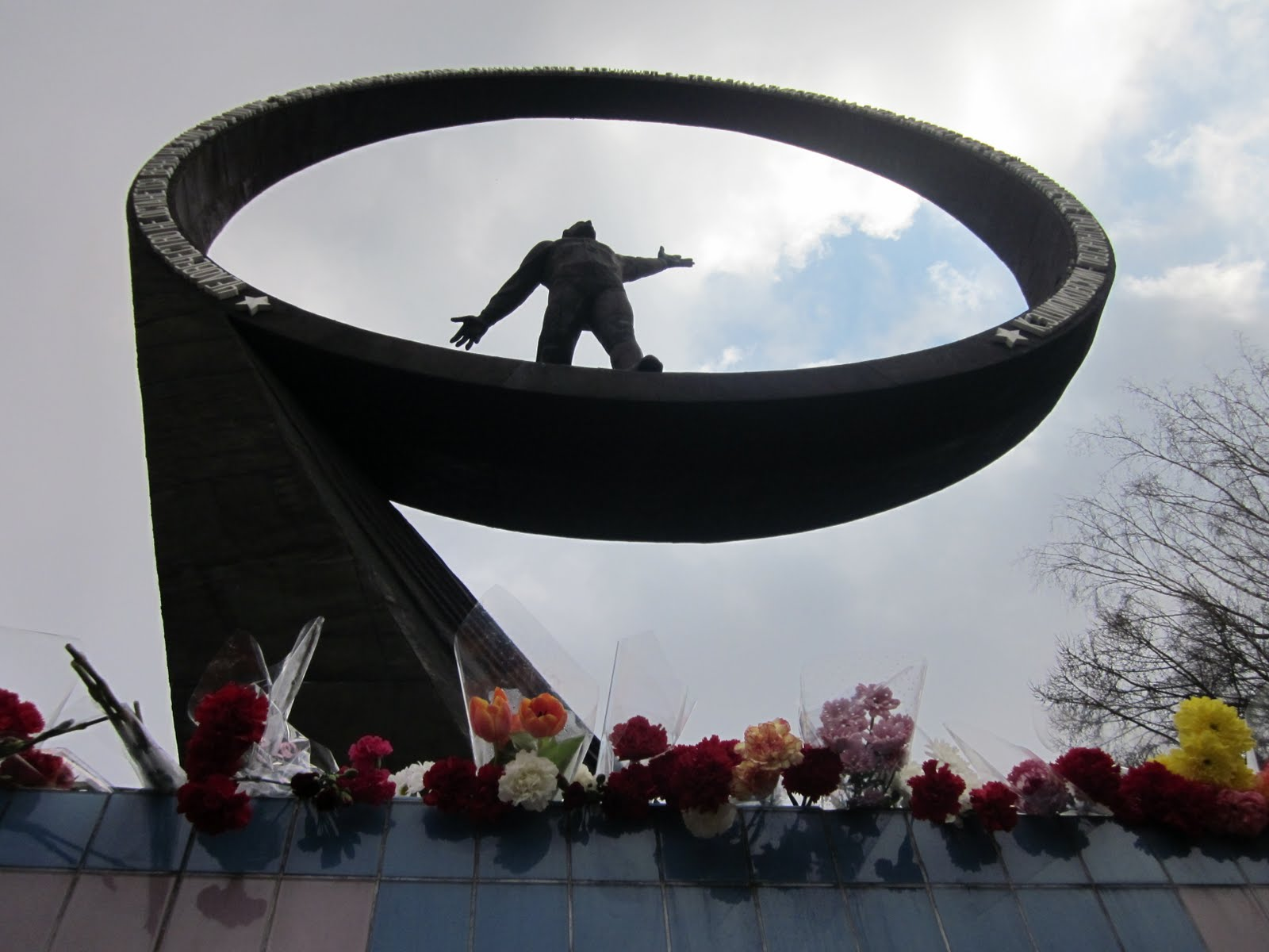 Soviet memorial dedicated to cosmonauts from kaliningrad - If You Are Studying Russian Language Besides Chekhov Or Tchaikovsky You Should Also Know About Yuri Gagarin A Few Years Ago My Teacher In Singapore