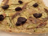 Pizza aux courgettes et anchois sans gluten et sans lactose