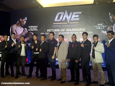 One FC MMA Return of Warriors KL Malaysia 2013 press conference fighters group photo with jason lo, victor cui, peter davis, eric kelly, melvin teoh, honorio banario