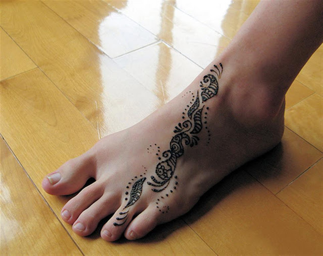 Simple Feet Mehndi Henna Design