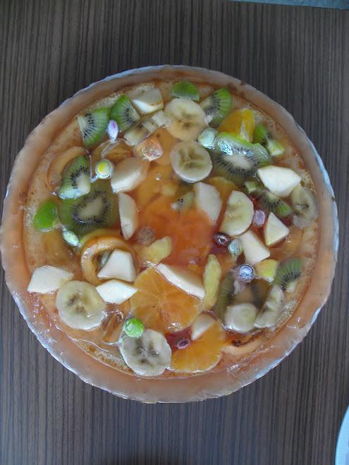 Yeteneklerimi konuşturdum :)) Meyveli turta