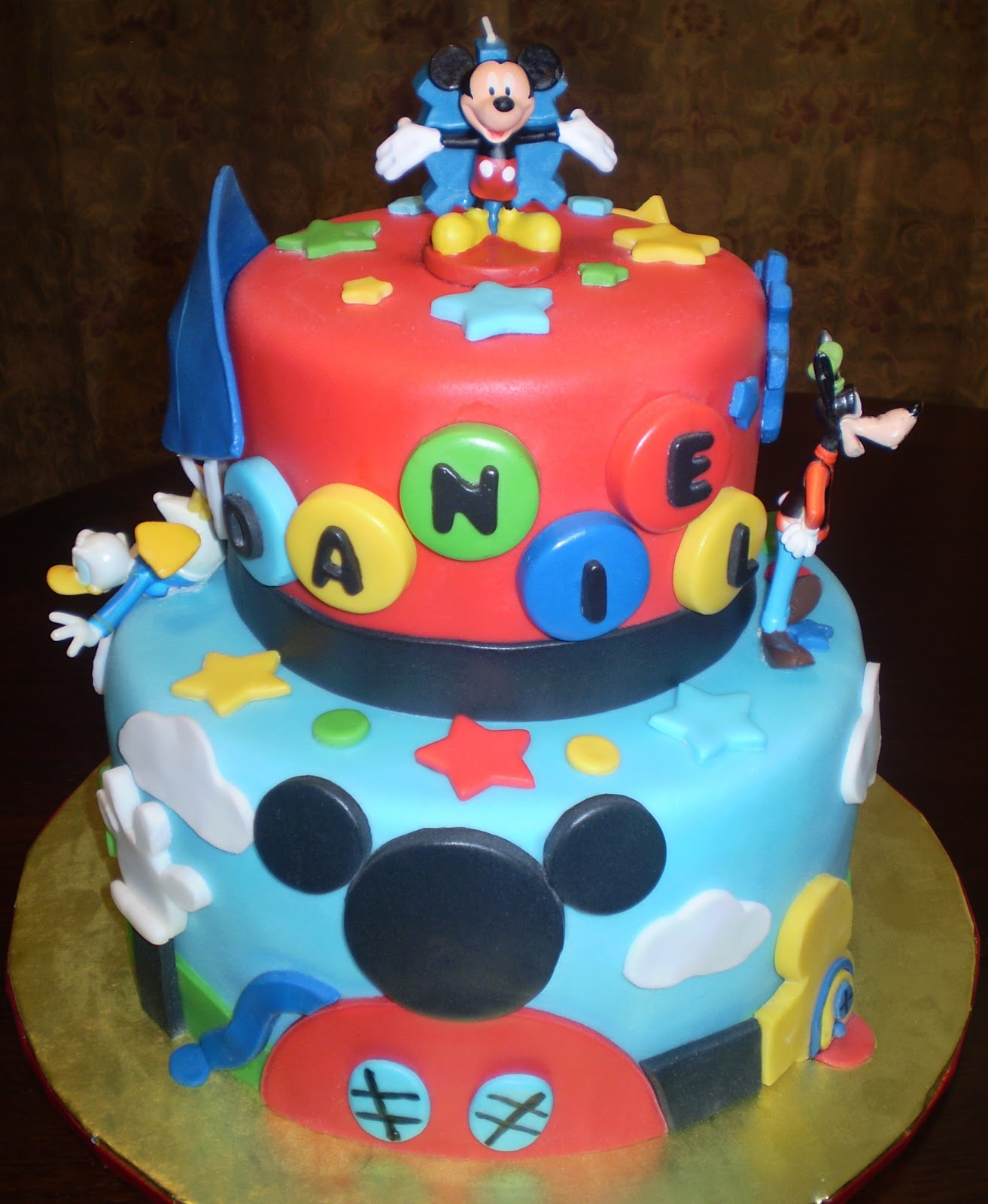 Birthday Cake Pictures Of Mickey Mouse : Divine Cakes by Janice: Mickey Mouse Club Birthday Cake