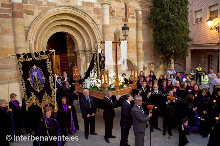 http://interbenavente.es/not/7160/por-el-camino-de-la-santa-vera-cruz/