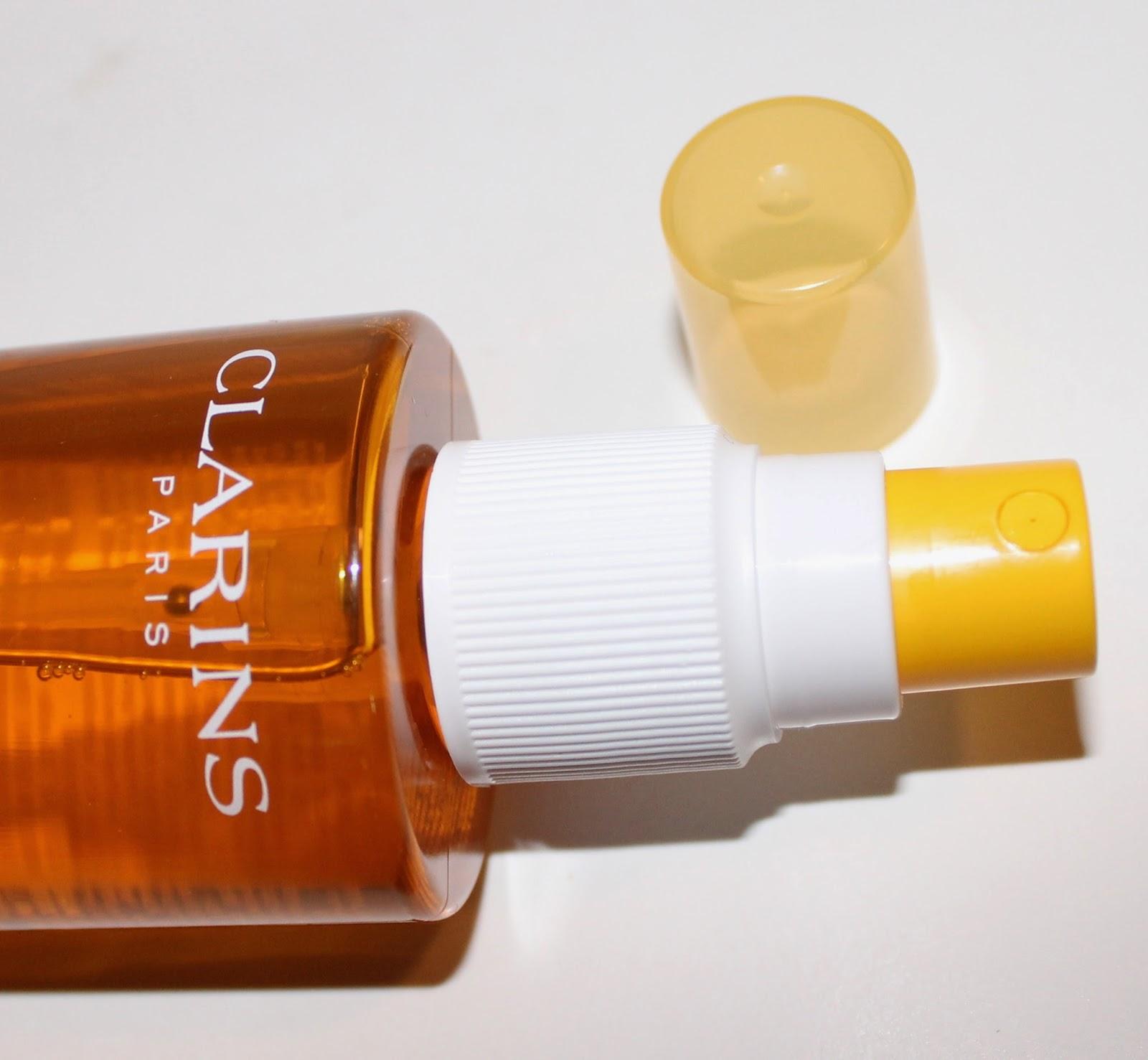 Clarins Sunscreen Spray Oil-Free Lotion SPF 15