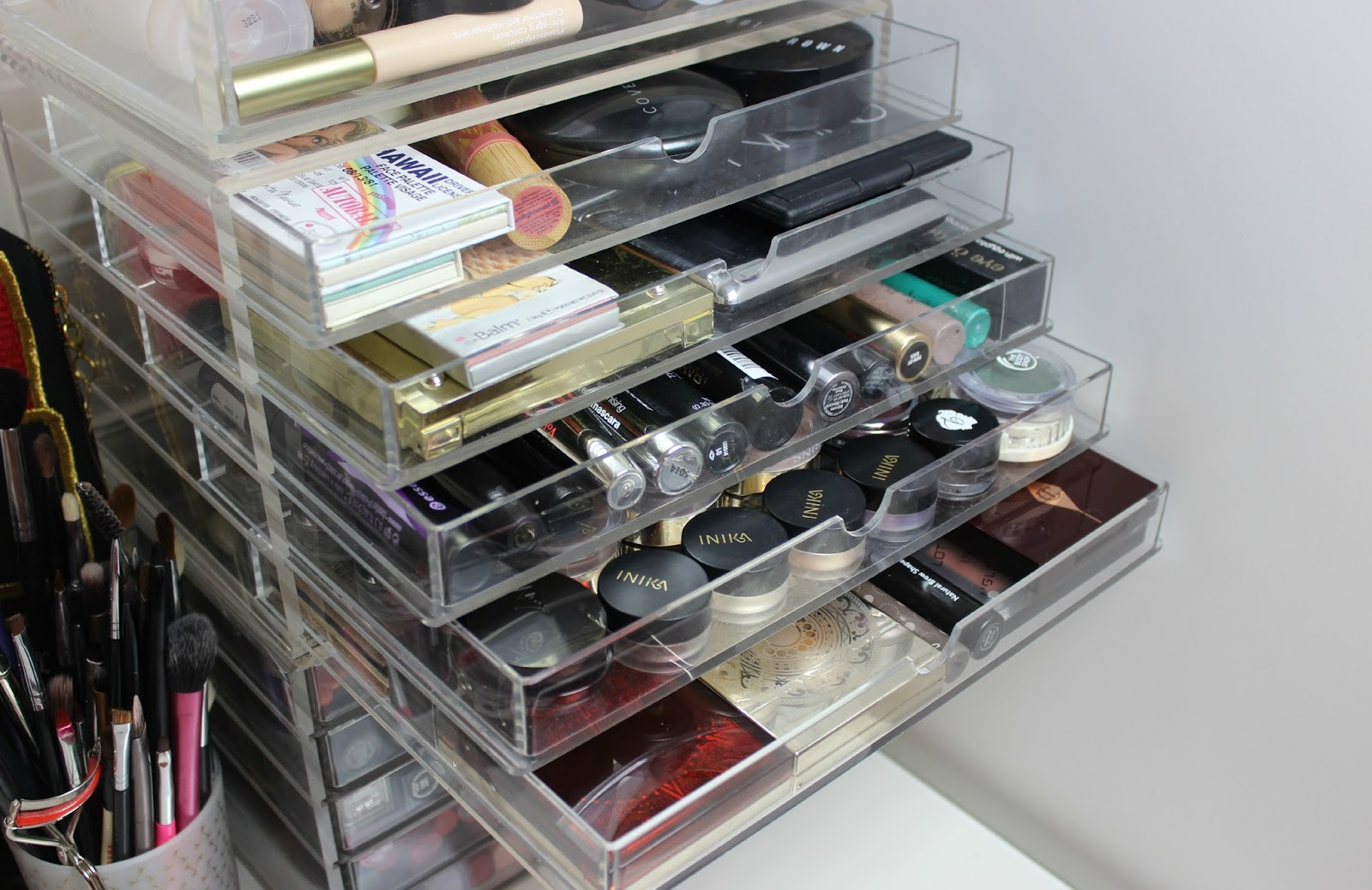 A picture of Acrylic Muji Storage