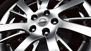 2013 Nissan Sentra 17 inch 7 spoke alloy wheels | Guelph Nissan