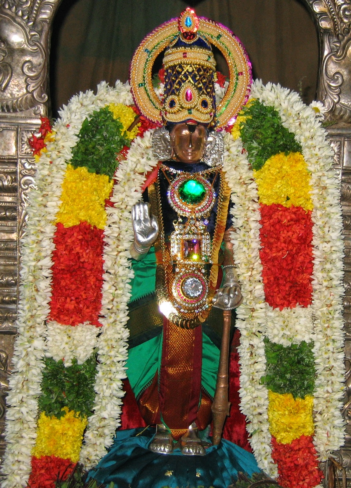 temple  travel and sport  thiru karambanur uthamar koil