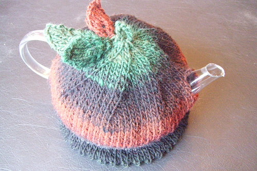 Knitted Tea Cosy Pattern : Miss Julias Patterns: Free Patterns - 20+ Tea Cozy to Knit & Crochet