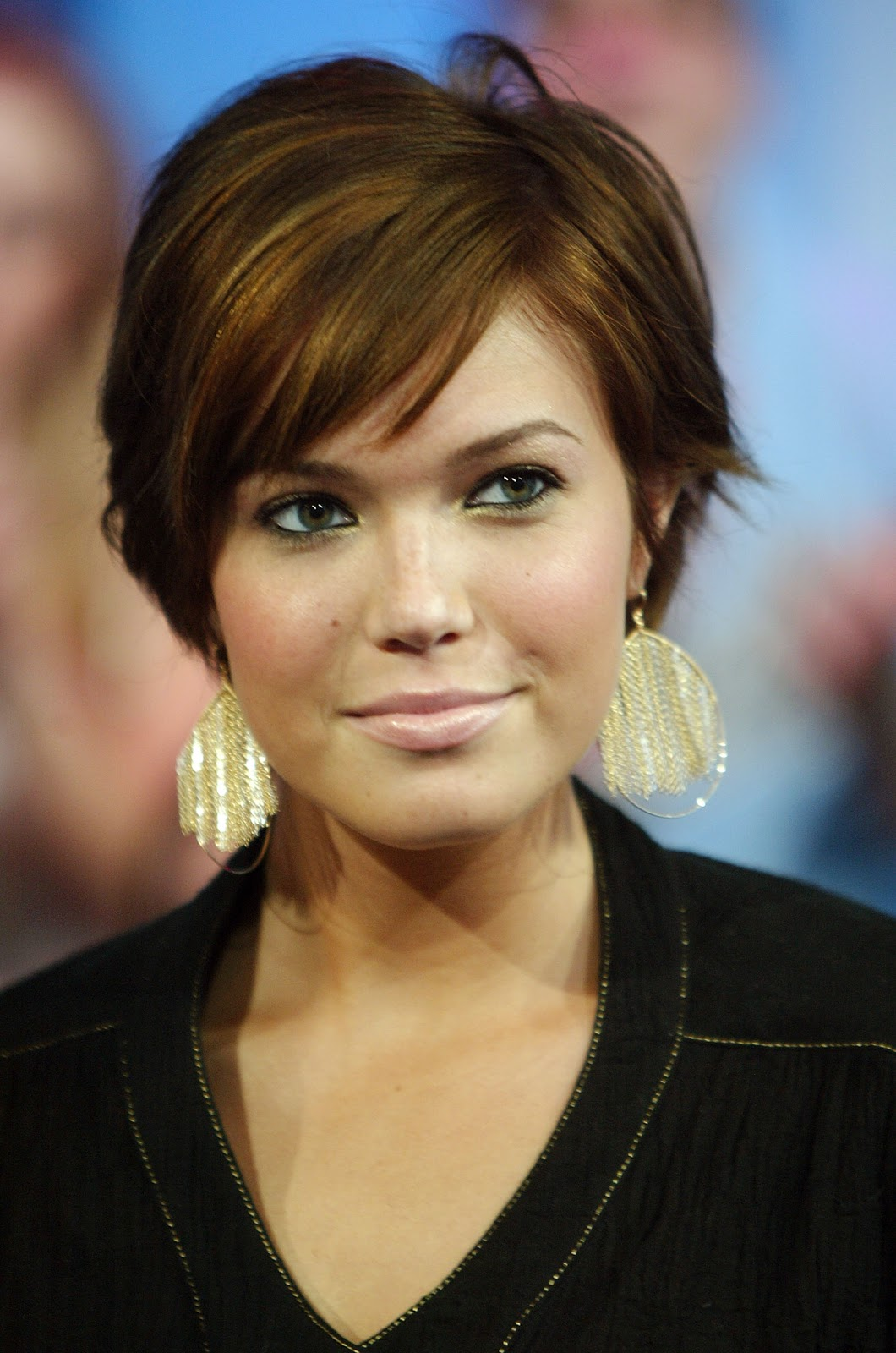 The Interesting Short Hairstyles For Girls With Round Faces Photo