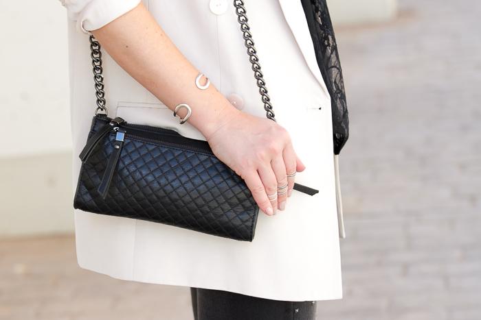 Accesorios de cuero negro y plata moda  tendencias temporada
