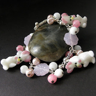 bijuteria de páscoa - pulseira de coelhinhos
