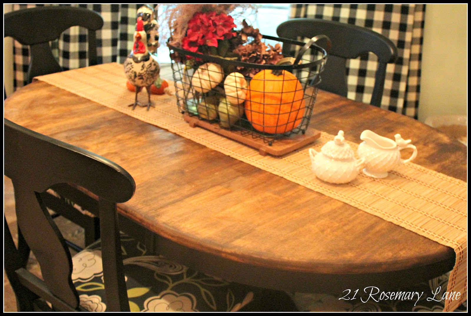 21 rosemary lane treasured roosters on my refinished tabletop an autumn tablescape - Refinished kitchen table ...