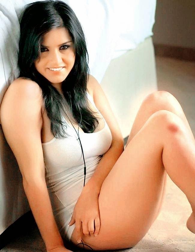 Sunny leone sexy photos and videos