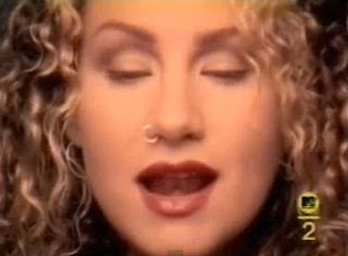 videos-musicales-de-los-90-joan-osborne-one-of-us