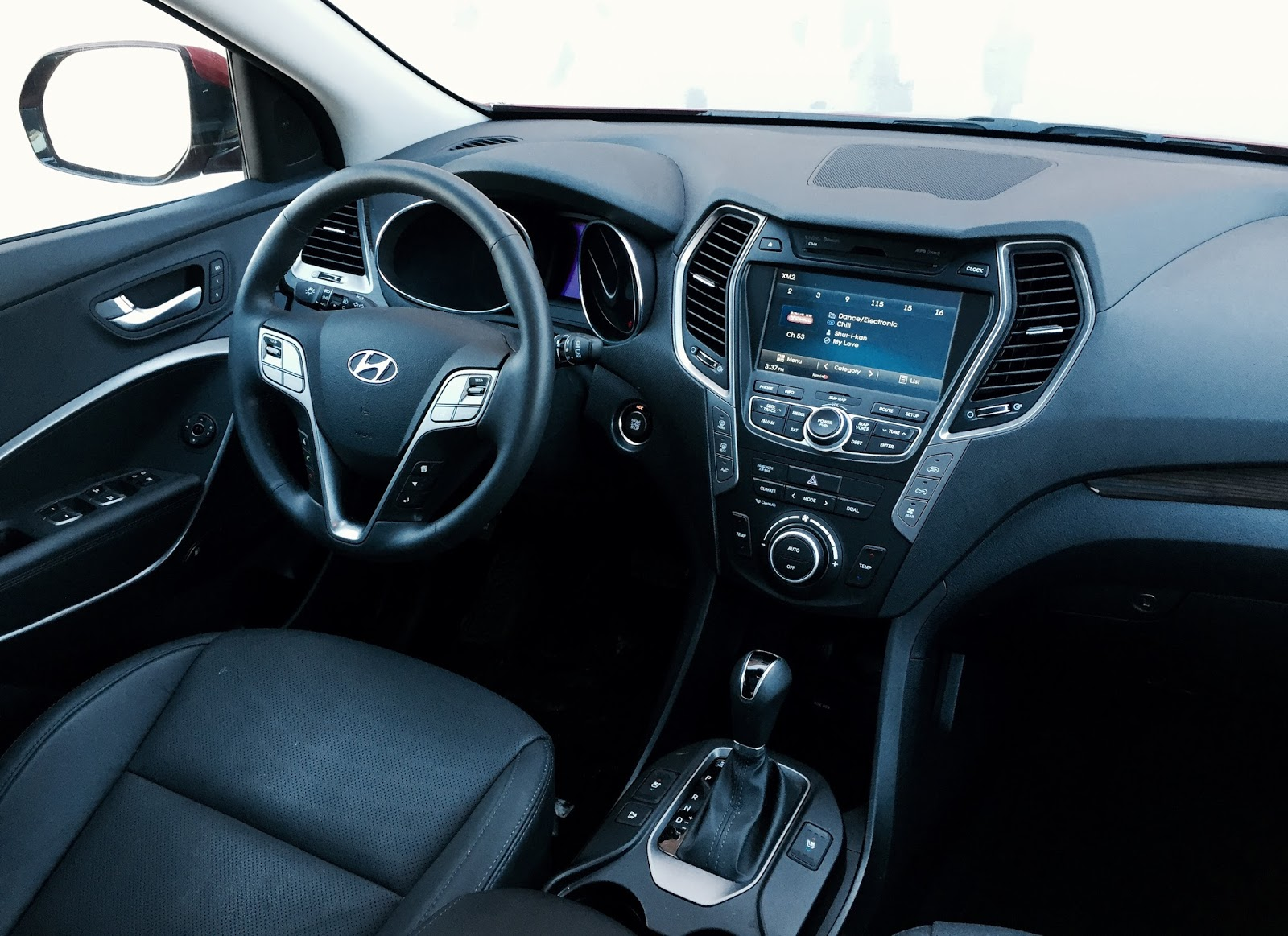 2015 Hyundai Santa Fe XL Limited interior