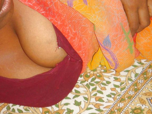 desi bhabhi sexy saree striping photos № 45395