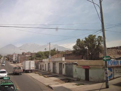 Suburbios de Arequipa, Perú, La vuelta al mundo de Asun y Ricardo, round the world, mundoporlibre.com