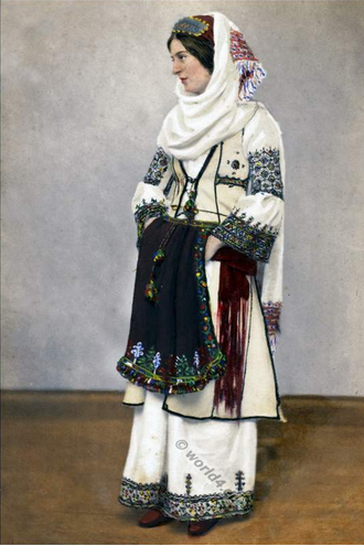 Women in traditional albanian costume