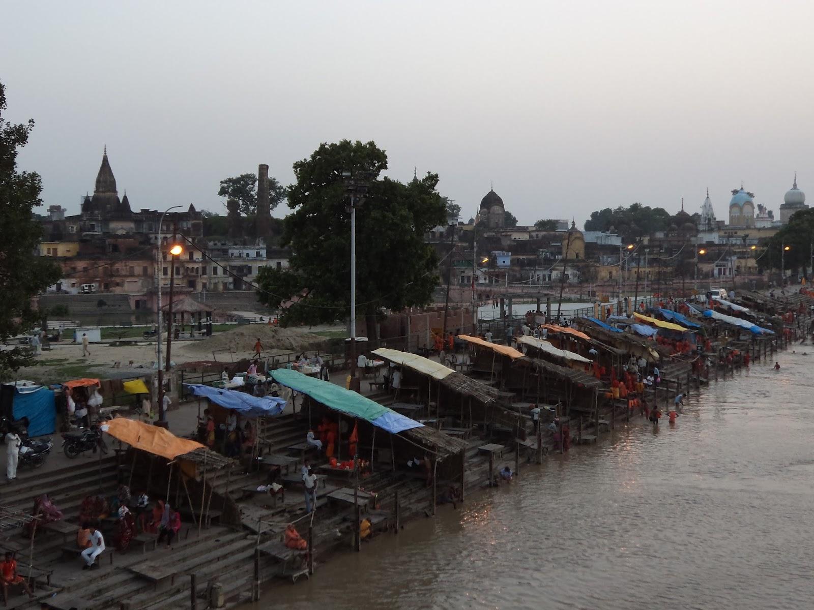 Vashishta Kund, Makauda Ghat, Ayodhya - Sri Ramanin Padhayil
