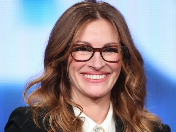 Julia Roberts Topped Off With Cat Eye Glasses