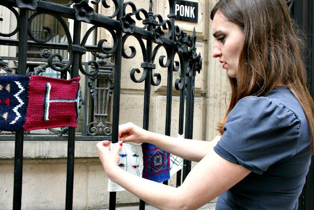yarnbombing paris street art yarn tricot